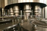 Nog het Vullen van het Drinkwater de Installatie van de Productie