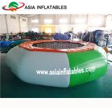 De opblaasbare Springende Uitsmijters van het Park Aqua, de Opblaasbare Trampoline van het Water