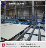 機械を作っている高性能のギプスの乾式壁の製造工程または石膏ボード