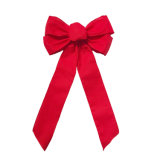 麻布によってワイヤーで縛られるリボンの弓、クリスマスの装飾のための格子縞の弓