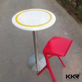 Крем белого цвета искусственного камня круглый стол в ресторане