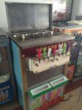 Assoalho industrial que está o gelado macio que faz a máquina