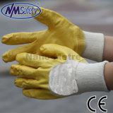 Блокировка Nmsafety желтым покрытием нитриловые перчатки