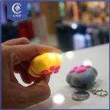 Voiture de pingouin de design sonore lumineux LED cadeau Jouet de chaîne de clé