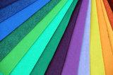La aguja de material 100% poliéster alfombra exposición perforada.