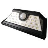 Luz al aire libre cargada solar de la pared del sensor de movimiento LED