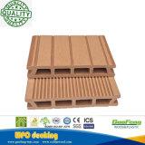 Decking composé en plastique en bois soutenable décoratif Anti-UV recyclable vert avec le prix bon marché