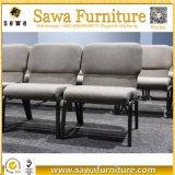 교회 의자에 의하여 겹쳐 쌓이는 의자 금속 의자