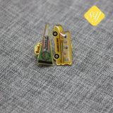 Gold überzogenes kundenspezifischer harter Decklack-Metallbus-geformtes Abzeichen