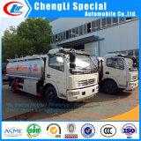 유조 트럭에 연료를 공급하는 Dongfeng 8m3 6m3 도로 탱크 차량 석유 탱크 차 기름 펌프 트럭