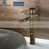 Mélangeur en laiton antique de bassin avec le filigrane reconnu pour la salle de bains
