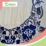 美しい網の花模様の優雅なロイヤルブルー3D Colarのレース