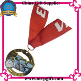 3Dロゴの彫版が付いている金属メダル