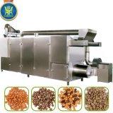 Alimento de animal doméstico que granula haciendo la máquina