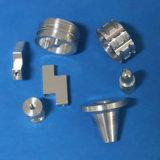 Aluminium anodisé noir en acier de précision les pièces d'usinage CNC