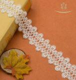 Nuova abitudine della guarnizione del merletto del fiore della margherita dell'Latte-Iarda di Mutil-Colore di disegno per l'indumento