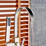 Flg montados en el suelo del baño grifo de la bañera de latón níquel cepillado