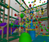 Campo de jogos interno temático da zona da selva do divertimento do elogio