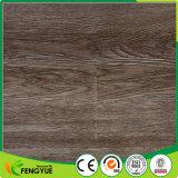 Le point d'ébullition en bois a gravé le plancher de luxe de PVC de couplage de vinyle d'enduit UV