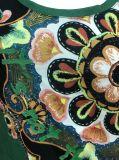 Зелен Тенниски повелительницы с модным печатание