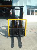 chariot élévateur de 2ton LPG avec 3 le mât des étapes 4.5m