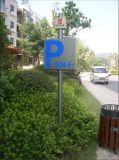 Voie trouvant le signe de route de face de Trangular