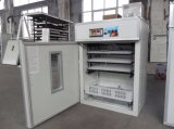 Incubateur solaire automatique approuvé d'oeufs de poulet de la CE avec 528 oeufs