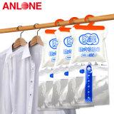 Desidratante de cloreto de cálcio usado em casa para guarda-roupa