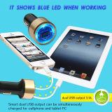 Очень заряжатель USB автомобиля способа голубой СИД светлый двойной