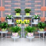 Металлическая подставка для цветов сеялку для использования внутри помещений и видом на сад оформлены