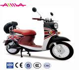軽量Eのスクーターのペダルが付いている小型電気移動性のスクーター