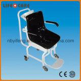 전자 휠체어 가늠자의 무게를 다는 의학 바디