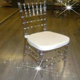 Resina Cristal Chiavari cadeira com almofada macia