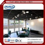 Panneau de plafond acoustique décoratif de mur intérieur de vente de tissu résistant au feu chaud de noir