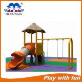 Напольные игрушки спортивной площадки, качание пластичных детей