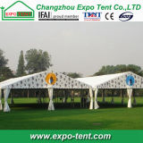 堅い壁が付いている安く明確な切妻屋根の上のテント