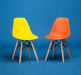 Silla de Eame para la silla plástica del sitio de niños de las piernas de madera del asiento de la talla de los cabritos
