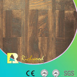 12.3mmのAC4 Woodgrainの質のクルミはLaminbateの研がれた床にワックスを掛けた