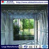 Camera prefabbricata alla moda dei piani chiari della struttura d'acciaio tre