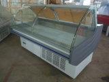 Ventilatore che raffredda il frigorifero della carne fredda con le rotelle