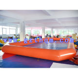 다채로운 Inflatable Pool 또는 The Adult Swimming Pool