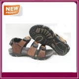Sapatas confortáveis da praia da sandália de borracha dos homens