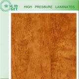 木の薄板にされるか、または積層のボードか建築材料(HPL)