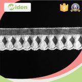 衣服のアクセサリの網のレースファブリック2.5 Cm綿の刺繍のレースのトリム