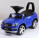 Mercedes licenciou o passeio do bebê no pé do carro para pavimentar