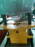 Trabalhador hidráulico do ferro de Q35y com a estaca de corte que entalha a perfuração