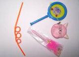 El tambor, monedero, paja de bolígrafo y regalos