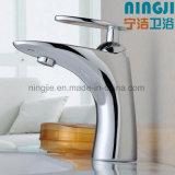 Faucet quente de bronze da bacia da venda da alta qualidade requintado nova do projeto (1301)