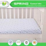 携帯用小型まぐさ桶のマットレスパッドカバー穏やかな白い赤ん坊の寝具の慰め静かに