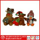 Подарок рождества заполненной игрушки северного оленя